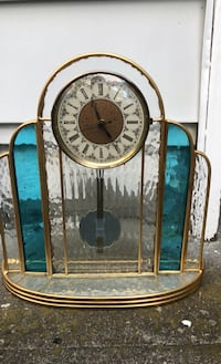 Stained glass clock- no cracks Livingston, 07039