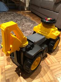 Baby construction truck toy  Montréal, H8P 3M7