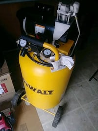 Air compressor 30 gallon month old at Lowe's for$6 Center Point, 35215
