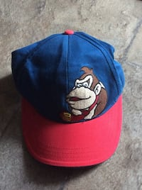 blue and red New York Yankees cap The Nation / La Nation, K0A