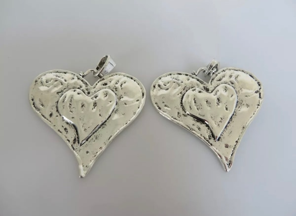 Beautiful Large Abstract metal allow HEART pendants. f7600344-170b-4732-9d46-fd5c7debf014