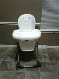 High chair with no cushion  Olive Branch, 38654