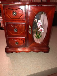 Wooden Jewelry Case Jacksonville, 32218