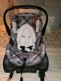 baby's gray and black car seat carrier Fort Mitchell, 41017