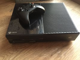 Xbox One + One Controller