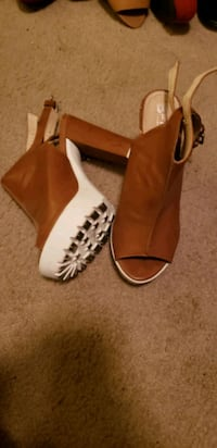 7.5 womans shoes Tulare, 93274