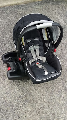 Graco Snug ride 35 Click connect infant carseat