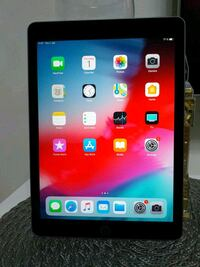 Ipad 9.7 (5th) 128 gb simkort + wifi Husby, 164 34