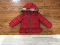 EUC, infant girls winter jacket, with faux fur trim on hood, from Roots, size 4T, machine washable Brampton, L6R 2C4