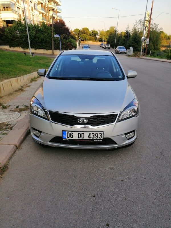 SON FİYAT... 2011 Kia Ceed 1.6 EX DSL 5 DR CONCEPT AT SR 128 PS 3