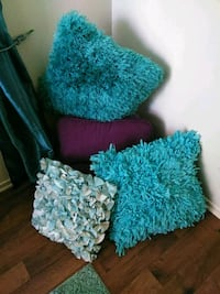 Pillows all of them for $20 Indio, 92201