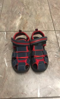 Kids sandals size 8  Burnaby, V5H 1S5