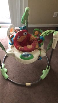 Baby's white and green fisher-price jumperoo Waterford, 06385