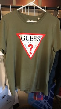 Army green GUESS shirt *never worn* size :Large Frankfort, 60423