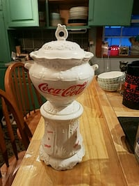 Antique cookie jar  Frackville, 17931