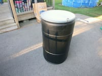 Barrel with locking lid  Belleville, K8P 2L4