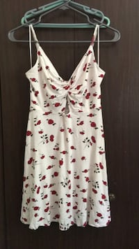 Medium floral dress North Vancouver, V7H 2V6