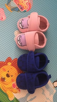 two baby shoes $3  Surrey, V4N 3G8