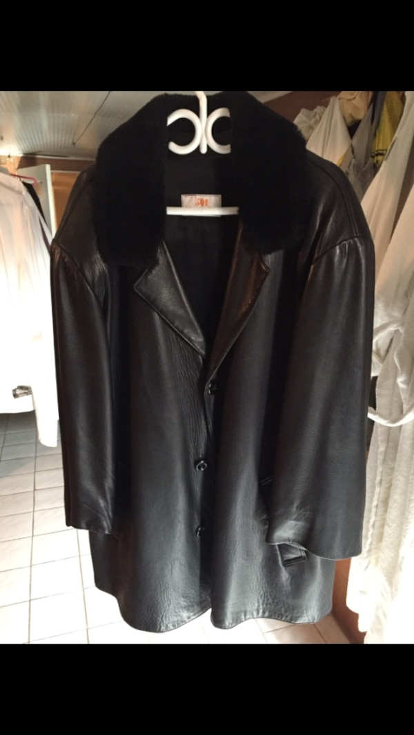 Men's black leather jacket size XL it's located at College and Ossington for pick up