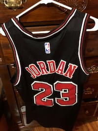 black and red Chicago Bulls 23 jersey Deerfield, 44411