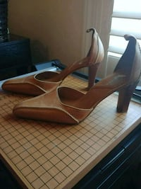 Women dress shoe size 7 Mississauga, L5R 0B6
