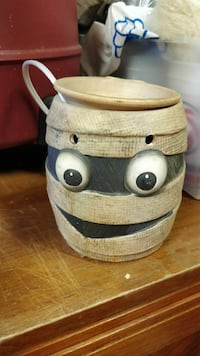 Mummy candle wax burner
