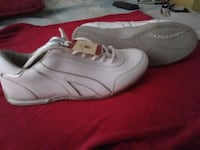 pair of white Nike low-top sneakers Cromwell, 06416
