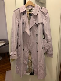 Burberry trench coat New York, 10030