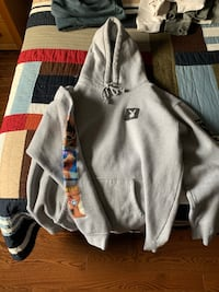 gray and black zip-up hoodie Mississauga, L4W 3W3