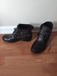 Justice boots size 9 Rensselaer, 12144