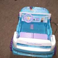 I sell frozen girl's cart is all good and has its battery