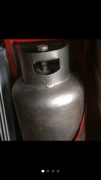 Propage tank. Full, weights over 175lbs. $200 obo Arlington, 22204