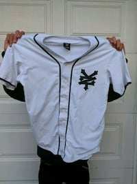 white and black Zoo York baseball jersey top Brantford, N3R 6W6