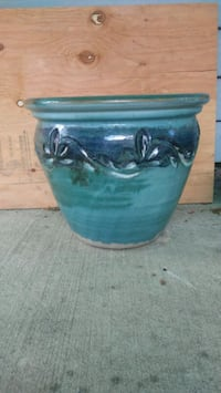 blue and black ceramic container Forest Grove, 97116