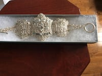 New beautiful bracelet bracelet with crystals