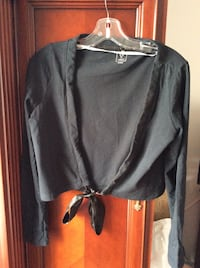 Vers moda jacket size medium. Pickup only  Laval, H7T