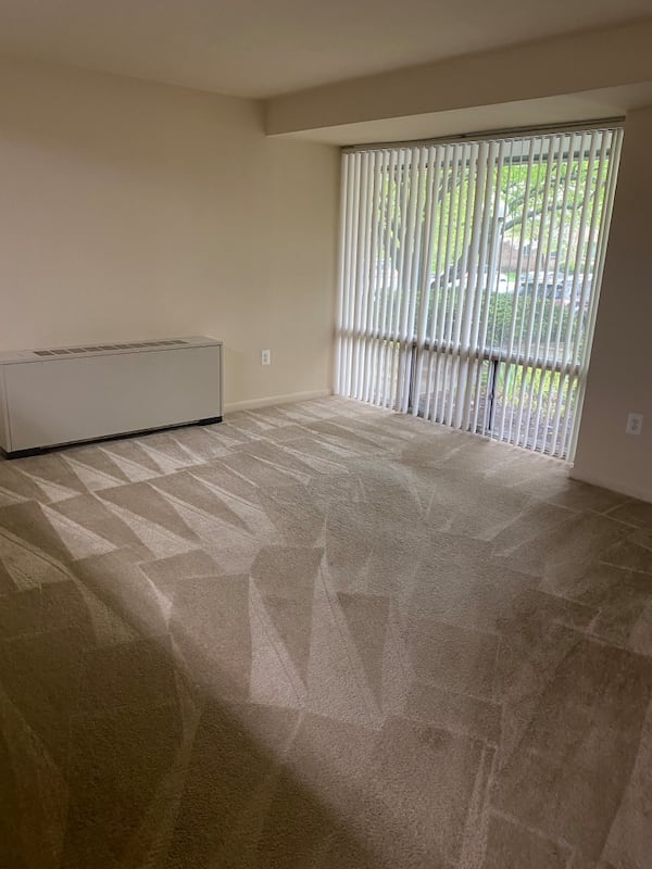 House cleaning 73f5993e-3778-440e-9548-62d499d8461f