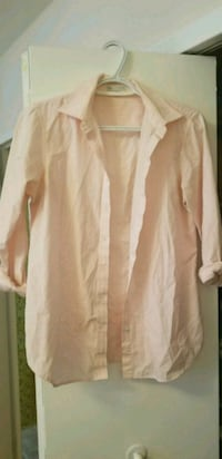 Pink button up top size small Toronto, M4K 2E5