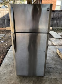 Kenmore stainless Refrigerator 32 inch in good conditions  Hyattsville, 20784
