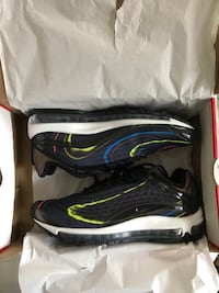 Air max deluxe midnight size 9