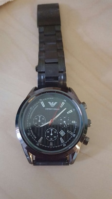 round silver Emporo Armani analog watch with link
