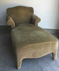 GREEN VINTAGE CHAISE LOUNGE