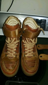 pair of brown leather work boots Toronto, M1B 5R7