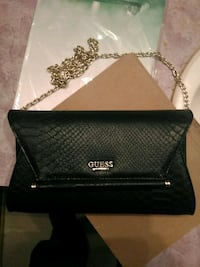 Barely used Guess purse Hamilton, L9C 2T8