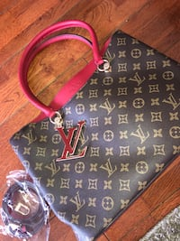 Louis Vuitton women purse Calgary, T1Y 3B6