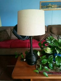 Vase shape lamp  253 mi