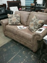 Sofa, loveseat, chair Annapolis, 21401