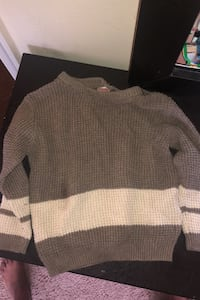 Toddler sweater size 18-24 months Hyattsville, 20785