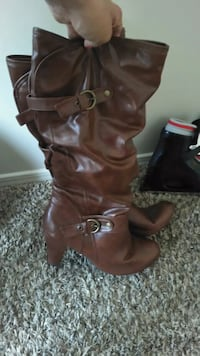 Sezy knee high leather dress boot size 9  1/2