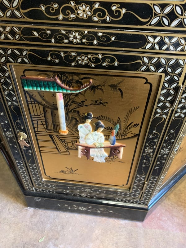 Vintage China Cabinet with a Coffee Table and side table c8fdb99a-5c20-4741-9683-c5f9019f4021